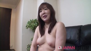 Japanese Cougar Shows How She Takes Toys And Cock