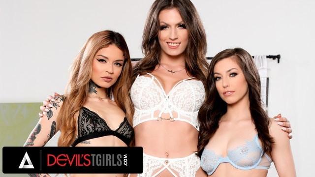 DevilsTGirls Jade Venus Bangs Lesbian Couple With Vanessa Vega