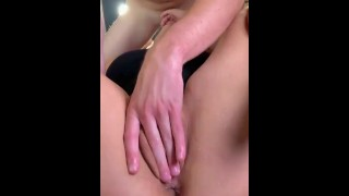 Horny Pussy Got Squirt While Sucking Dick